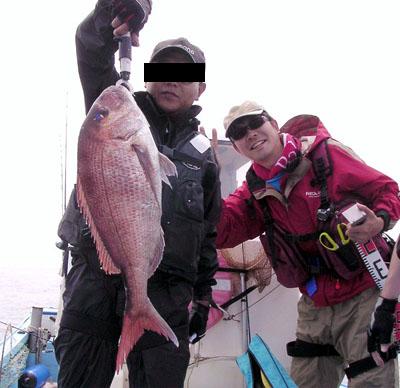 Y氏の釣り上げた真鯛64cm
