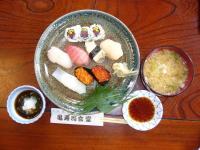 握り寿司とお味噌汁